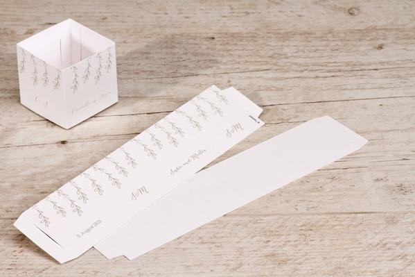 ausgefallenes-etikett-fuer-faltboxen-mit-blumenranken-TA0175-1700003-07-1